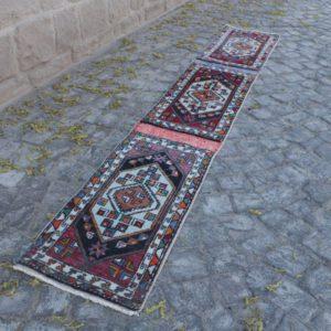 Vintage Turkish Rug TR75781 Image 1