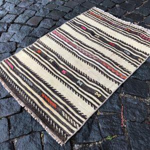 1.9 ft. x 2.8 ft. Vintage Kilim Rug TR49632 Image 1