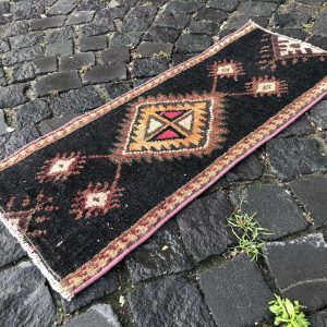 1.1 ft. x 2.9 ft. Vintage Turkish Rug TR93475 Image 1