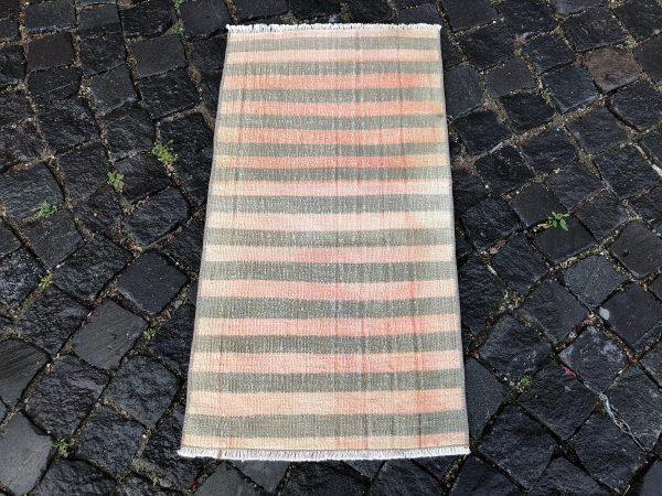 1.6 ft. x 3 ft. Vintage Kilim Rug TR52472 Image 4