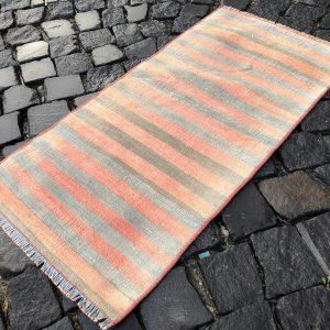 1.5 ft. x 3.1 ft. Vintage Kilim Rug TR52492 Image 1