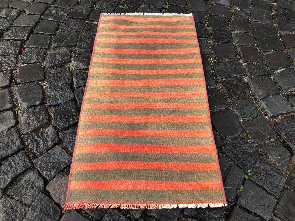 1.6 ft. x 3.2 ft. Vintage Kilim Rug TR52582 Image 3