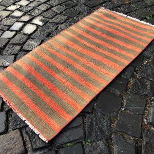 1.6 ft. x 3.2 ft. Vintage Kilim Rug TR52582 Image 1