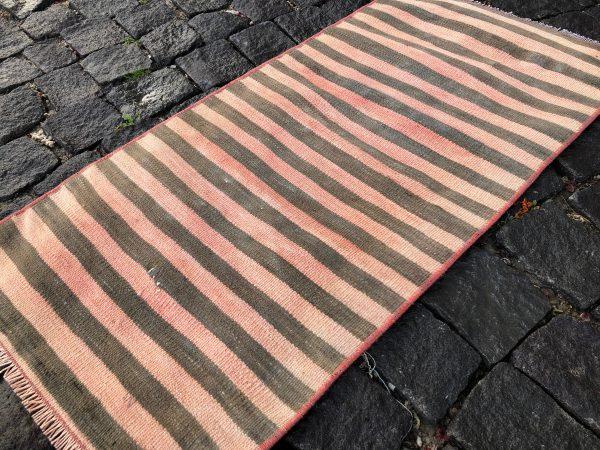 1.5 ft. x 3.1 ft. Vintage Kilim Rug TR52622 Image 2
