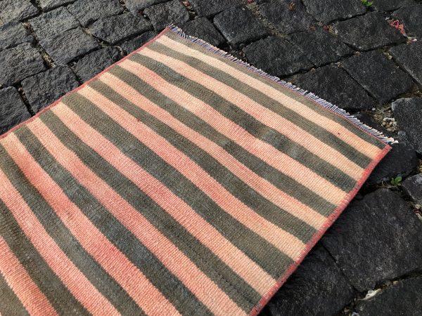 1.5 ft. x 3.1 ft. Vintage Kilim Rug TR52622 Image 6